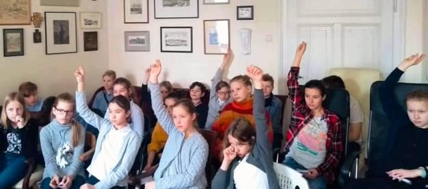 Uczniowie z Brzegu zadawali mnóstwo pytań o pracę europosłów